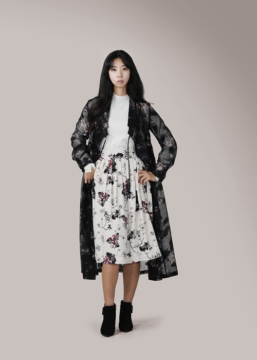 [7196 label] ivory wrap skirt